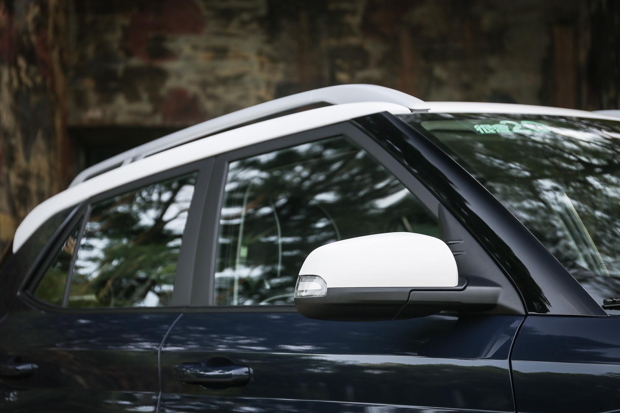 採用藍白 Two-tone 雙彩車色的 Venue 為目前最受歡迎的配色。
