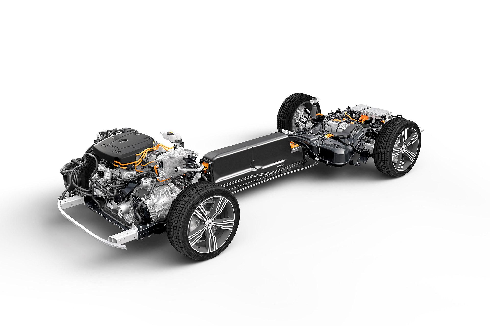 保留傳統內燃機的 PHEV 系統,不僅具有電動車的使用特性, 引擎也可作為備援,消弭使用電動車的里程焦慮。