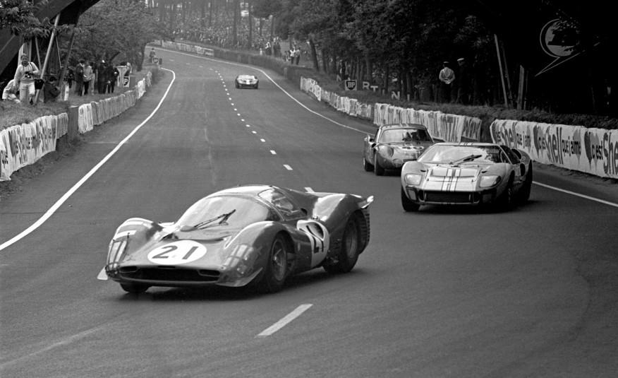 法國「利曼 24 小時耐力賽」是全球歷史最悠久的汽車耐力賽,自 1923 年起每年夏季於法國利曼(Le Mans)舉辦,比賽時間連續長達24小時,是極度考驗車輛機械耐久度與車手技巧的高難度賽事。