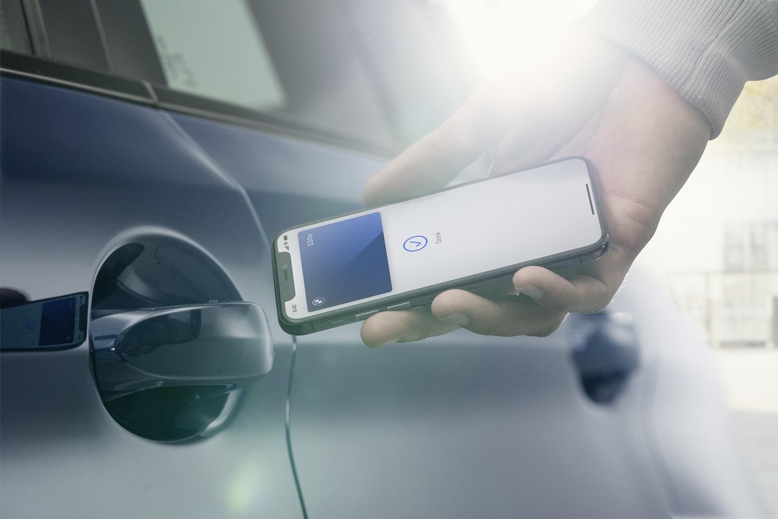 2021 年式新世代車款導入 iPhone 手機數位鑰匙、全新升級加入 NLU 自然語言辨識功能的BMW智慧語音助理2.0。