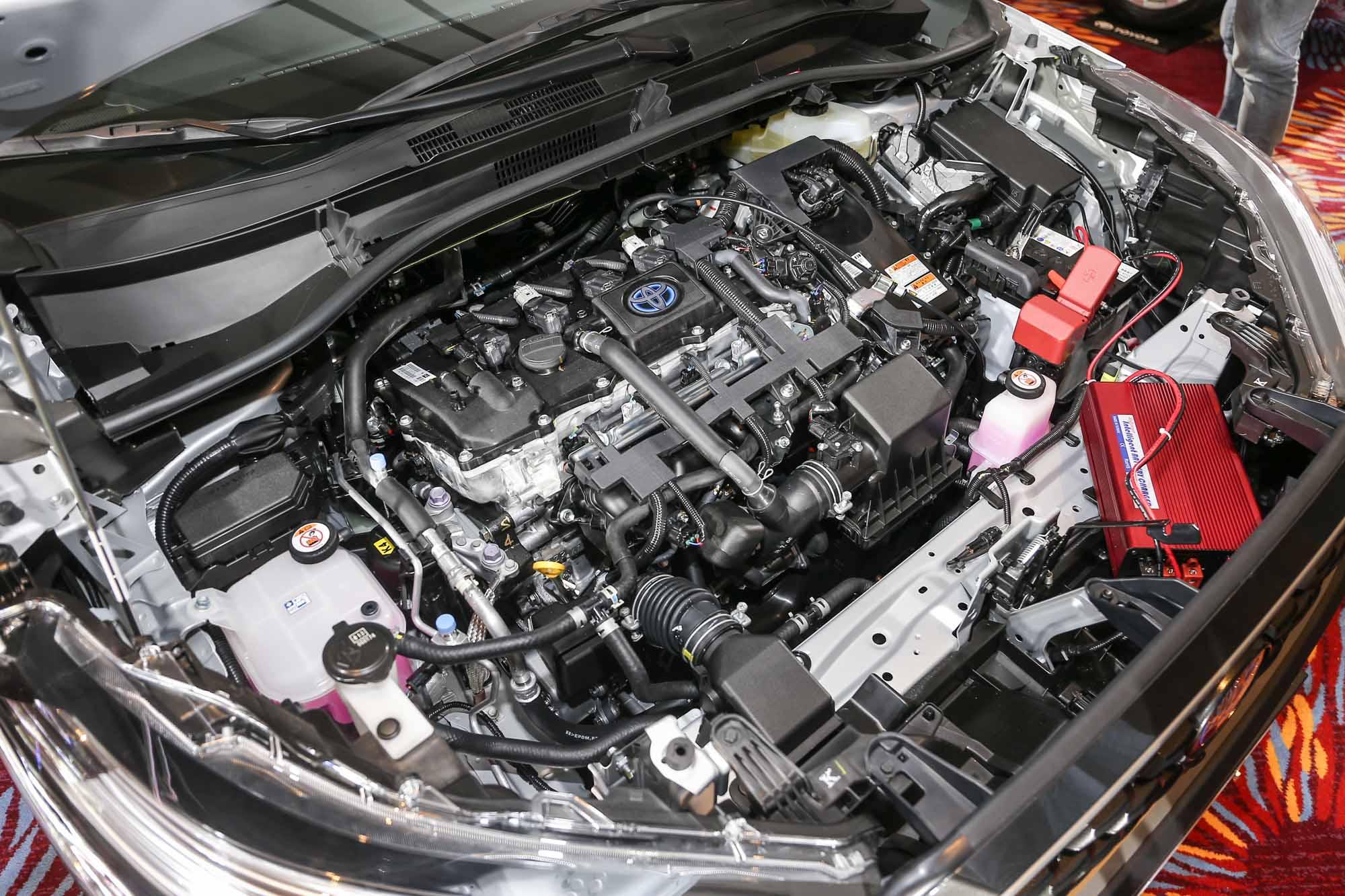 Corolla Cross提供消費者1.8L Hybrid 及 1.8L汽油雙動力選擇。