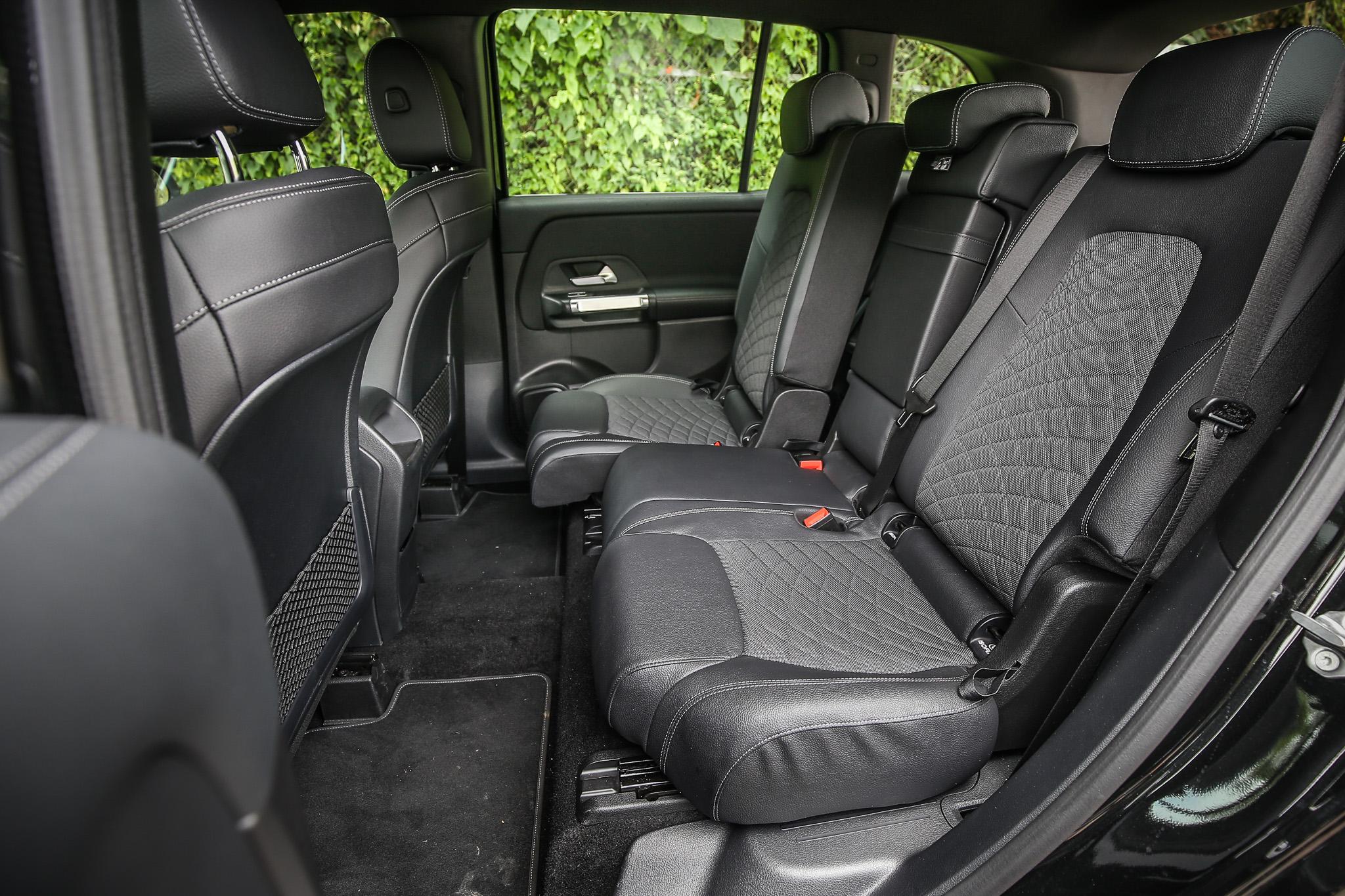 2829mm軸距長度營造相當寬敞的乘坐空間,第二排座椅並有前後調整功能(前後滑移14cm、椅背角度7段調整)。