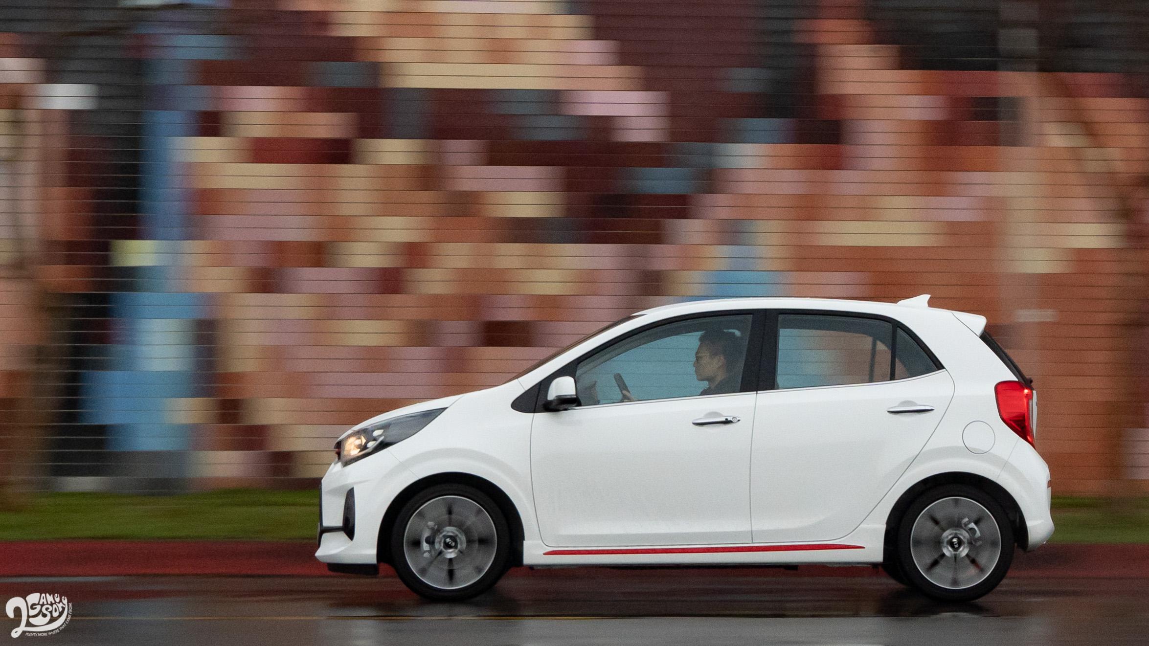 雖然是定位在平價都會小車,Picanto 意外地給予不錯的操控體驗。