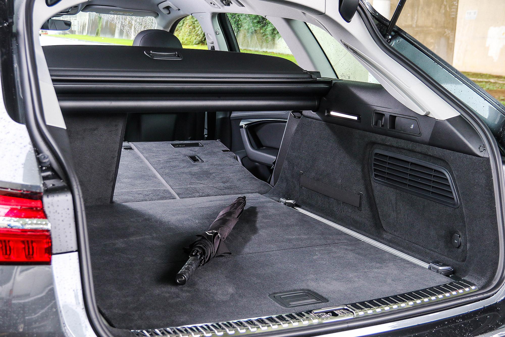 後行李箱的容積可以從 565 公升擴充至 1,680 公升。