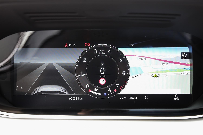 駕駛眼前的 12.3 吋全數位化 HD 虛擬儀表板。