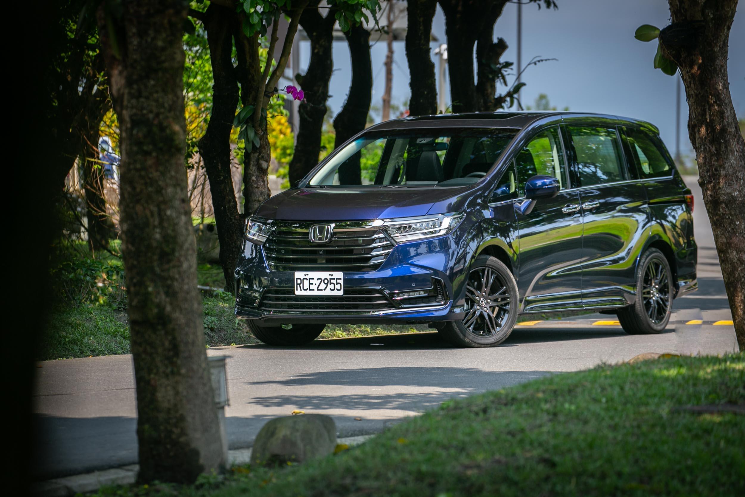 車頭造型的改變,應該是此次 Odyssey 小改款的外觀重點。