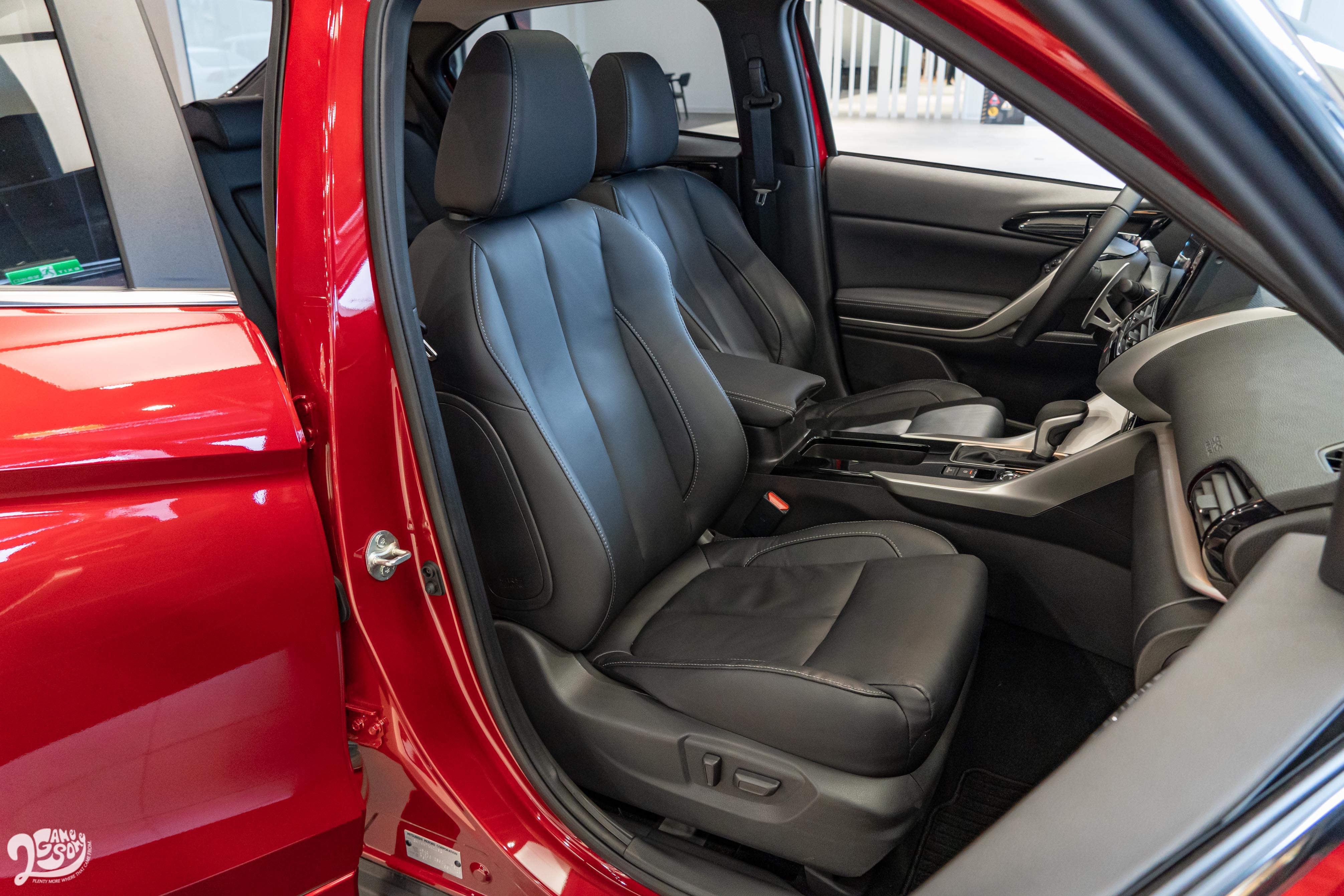 新增副駕駛座電動座椅,搭配座椅加熱功能。