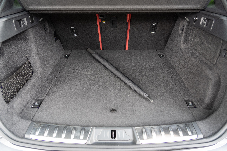 標準乘坐狀態下後廂置物容積就可達613公升。