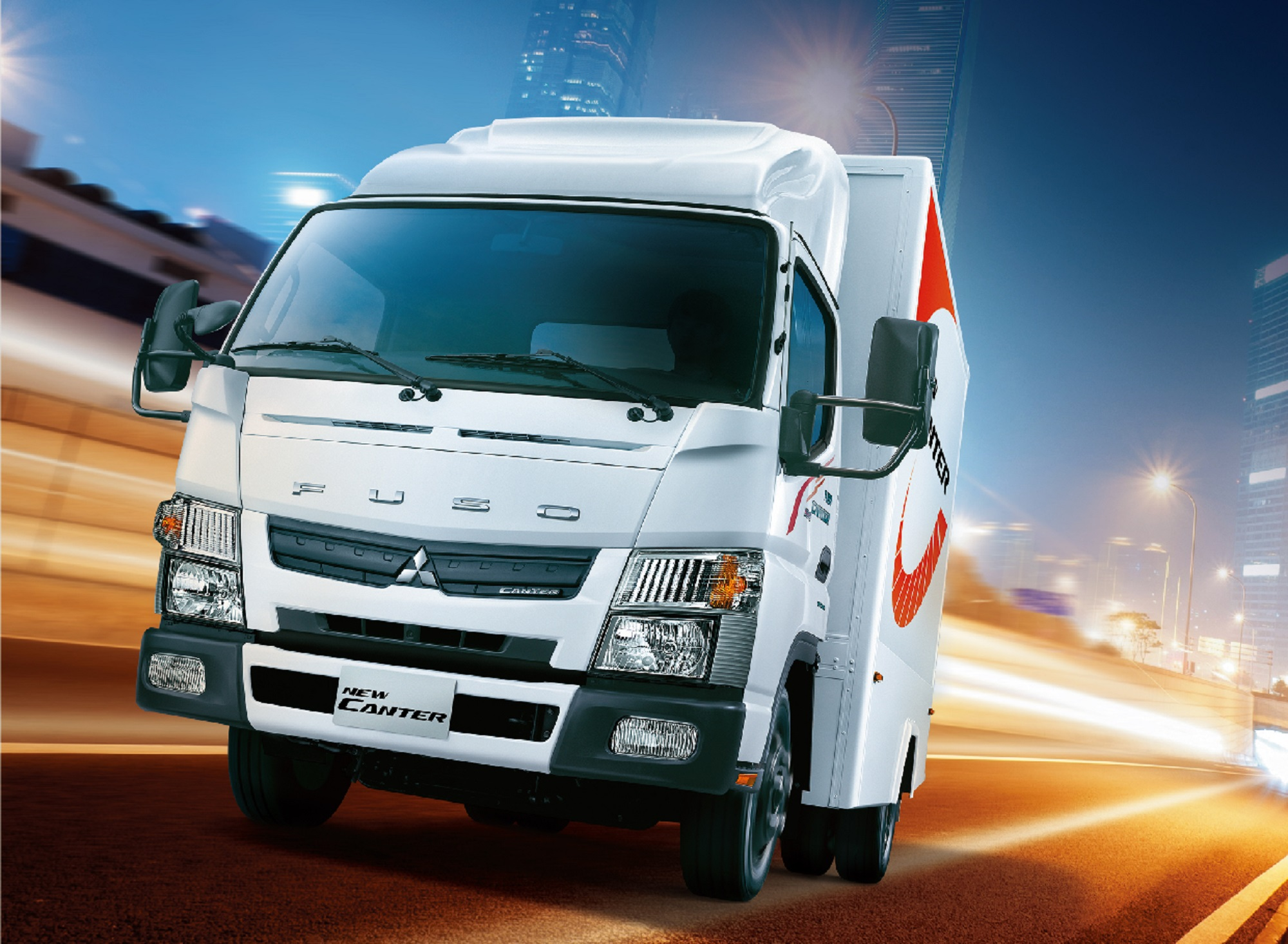 Fuso 3.5 噸商車達成 4,381 台的銷售,該級距市場佔比高達 43%。
