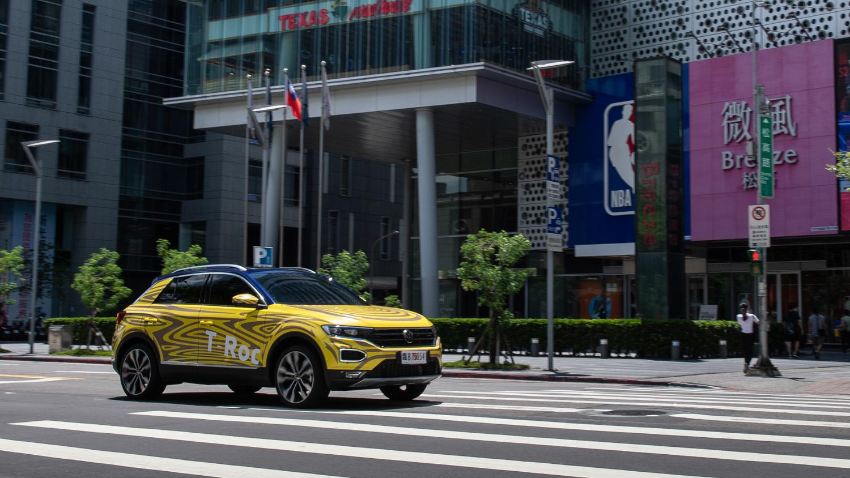 Volkswagen T-Roc 測試車現蹤台北街頭,預售 9 月展開