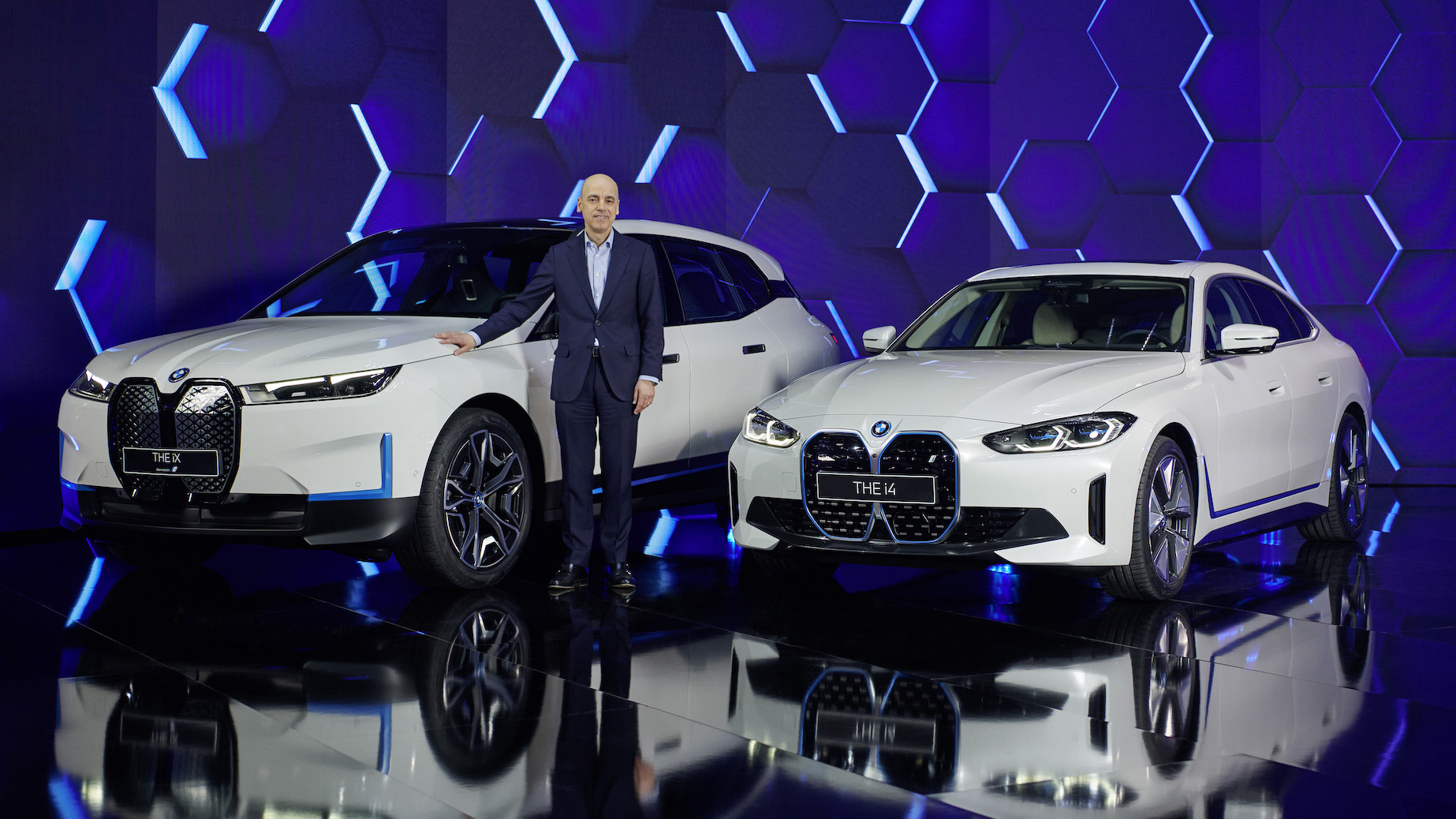 電動車二連發!BMW iX 細節釋出,i4 發表時程曝光