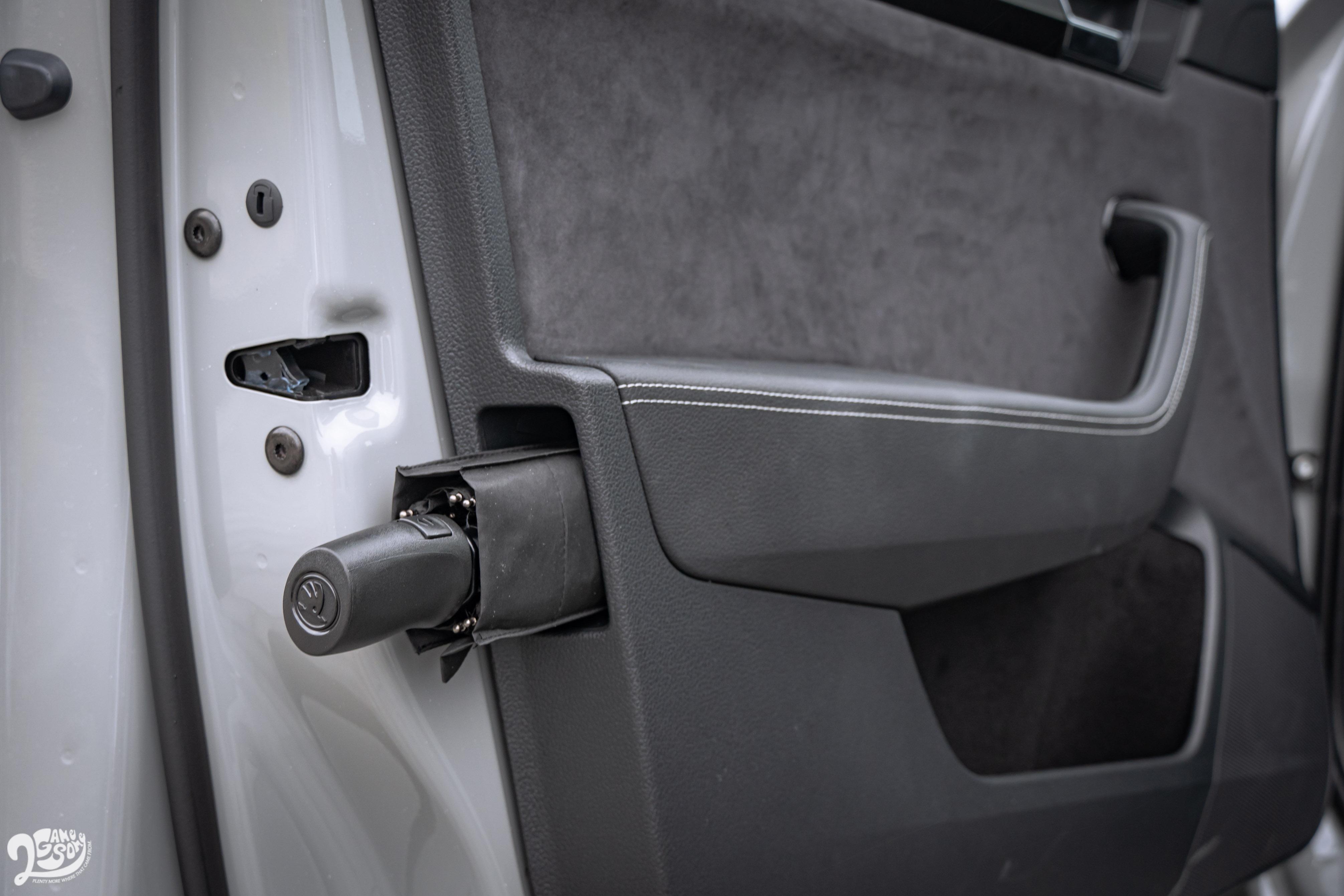 駕駛座車門傘桶是 Superb 的貼心巧思。