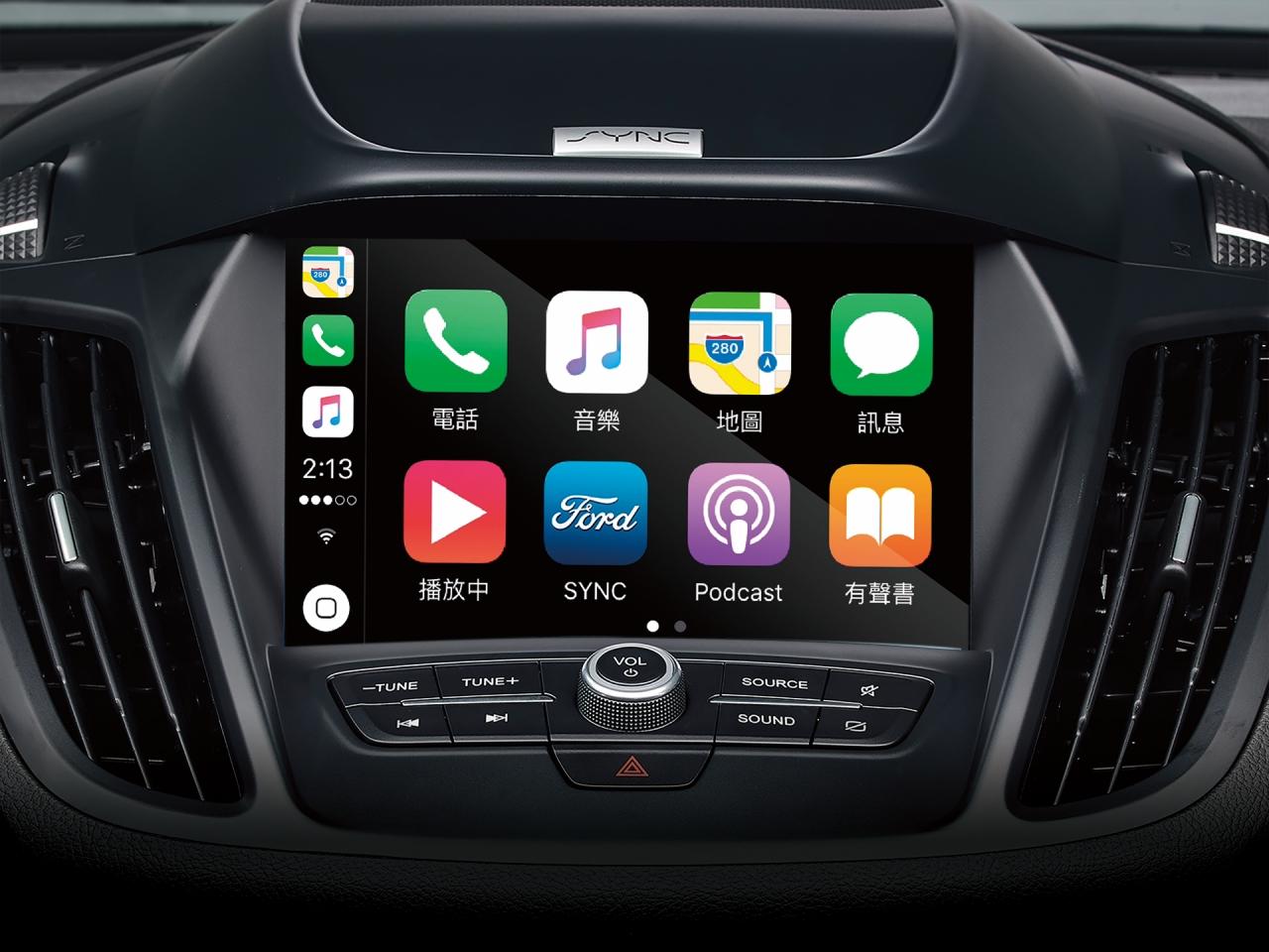 標配 SYNC®3 娛樂通訊整合系統,具備 8 吋 LCD 彩色觸控螢幕與語音聲控功能,並整合 Apple CarPlay® 與 Android Auto 兩大系統。
