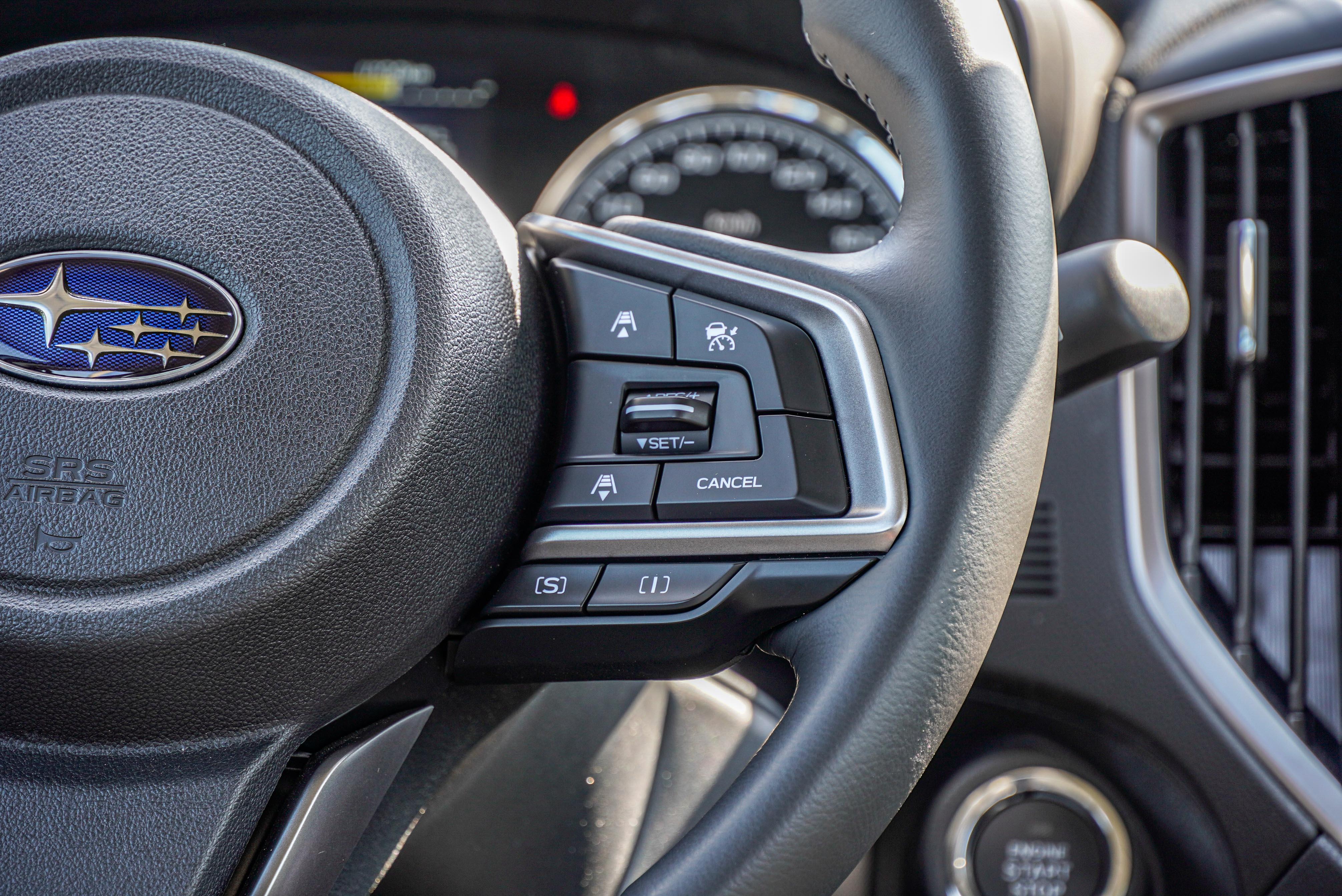 Eyesight 的跟車系統從方向盤右方控制。