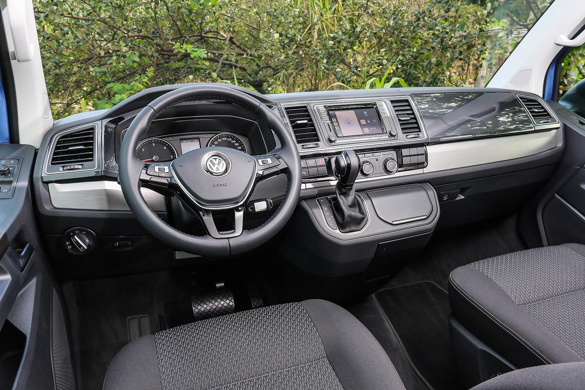車內保留與 Multivan 同級的鋪陳與設計。
