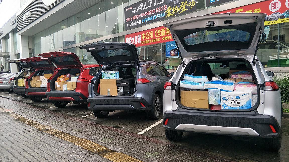 Toyota 桃苗汽車做公益 Corolla Cross 聖誕送暖
