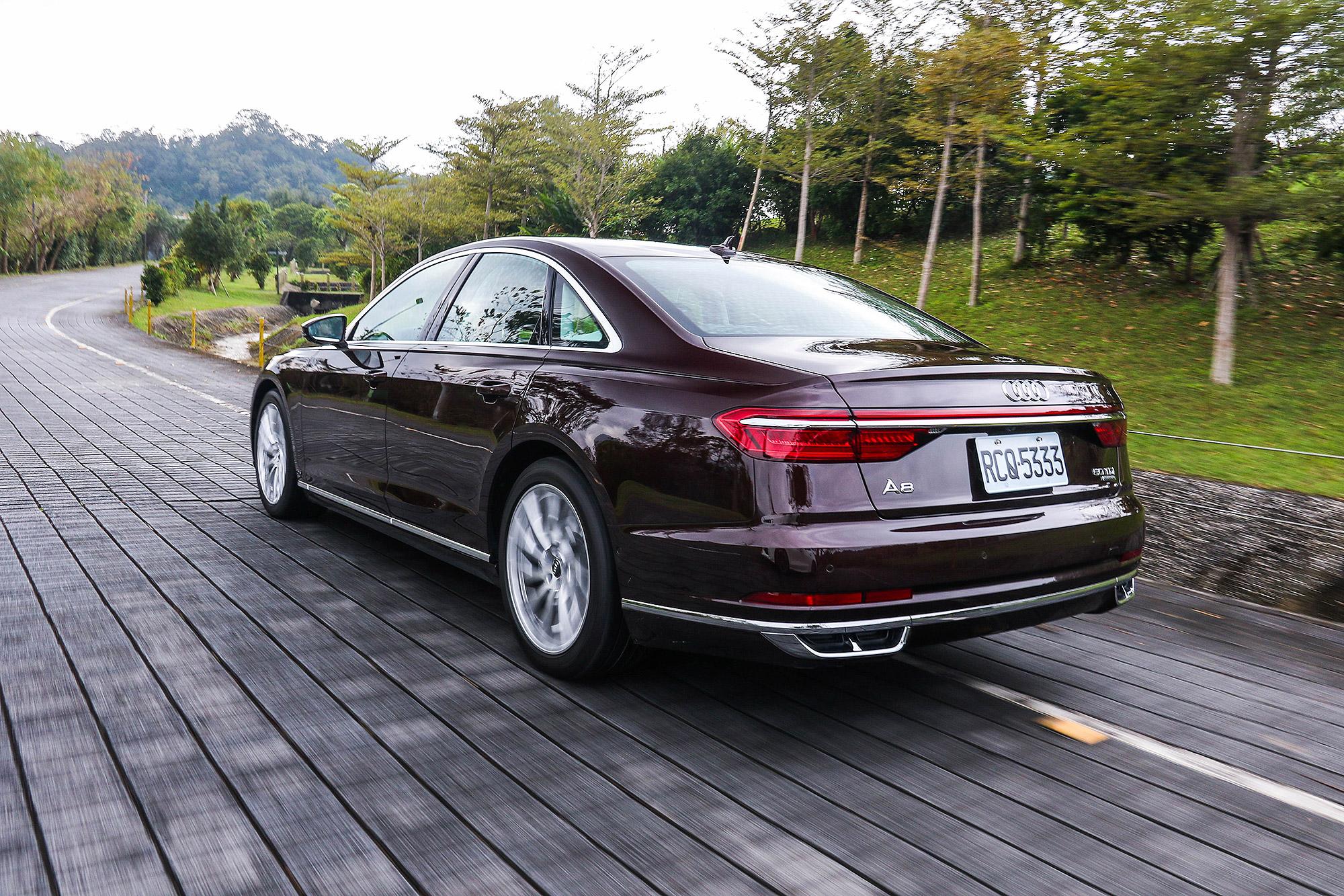 平順的動力與駕駛感受,也是48V Mild-Hybrid 系統的幫助。