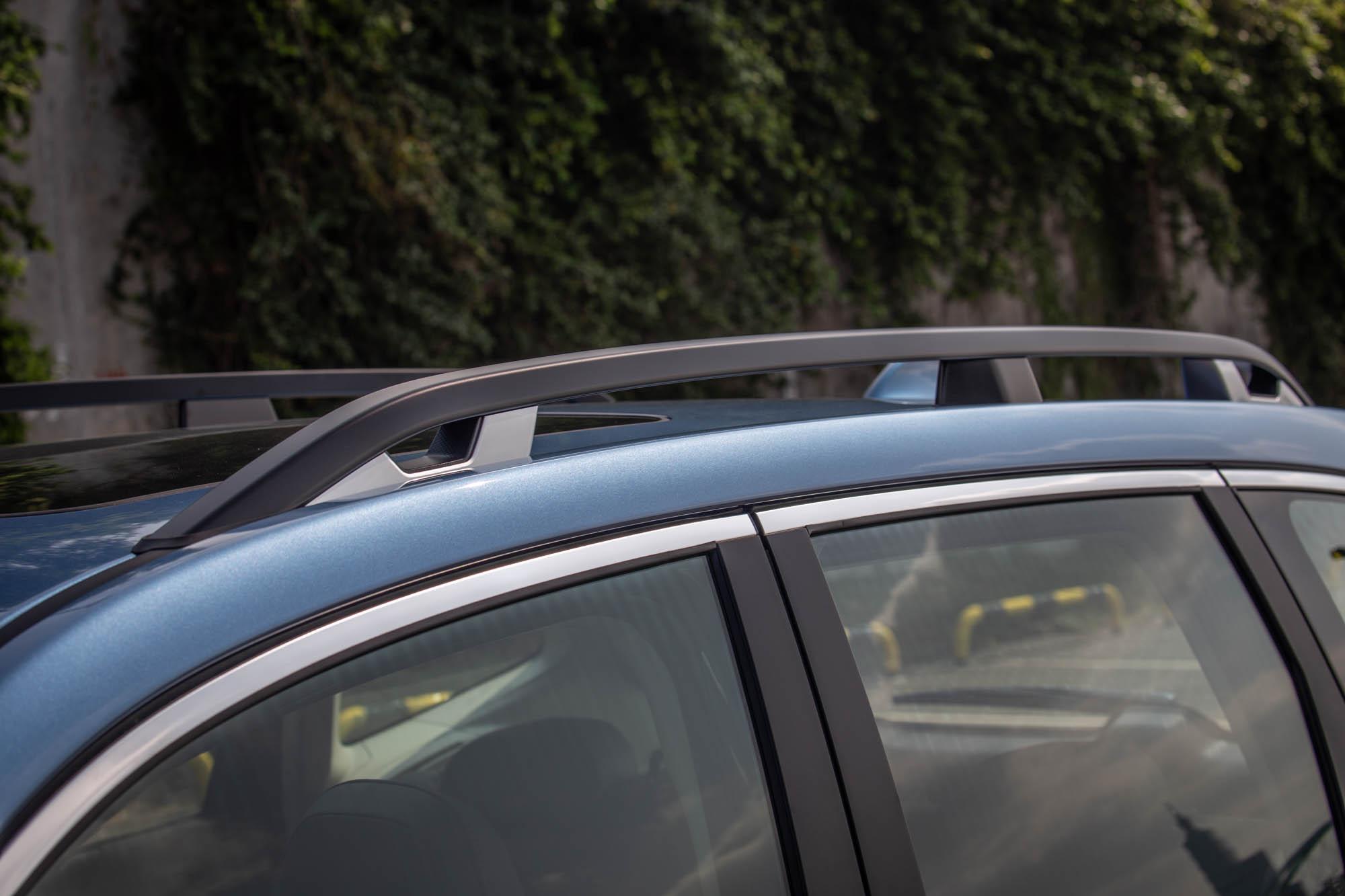 標配車頂架,增添用車多元性。