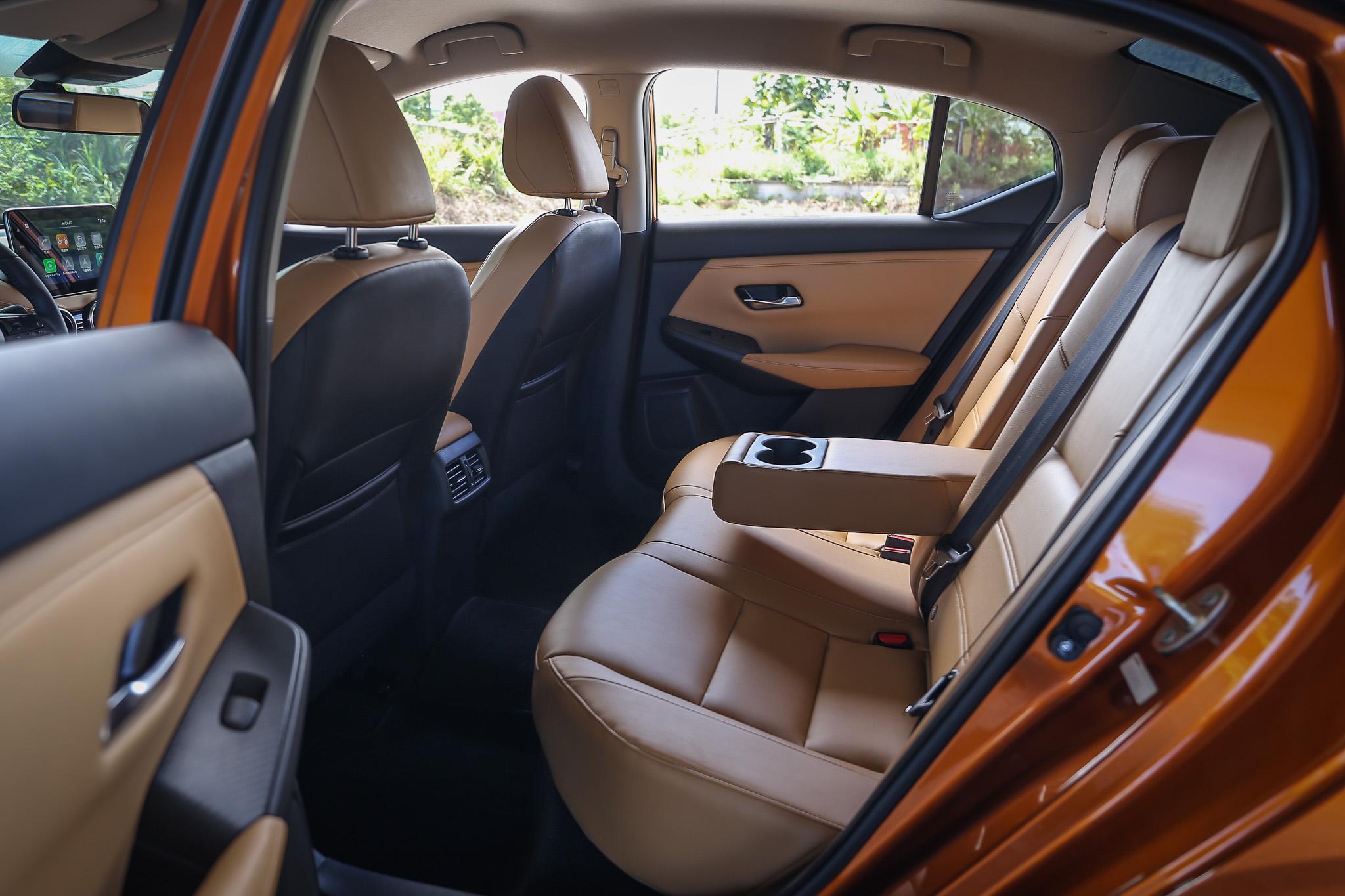 寬敞的後座空間,一般體型乘客都可享有舒適乘坐姿勢。