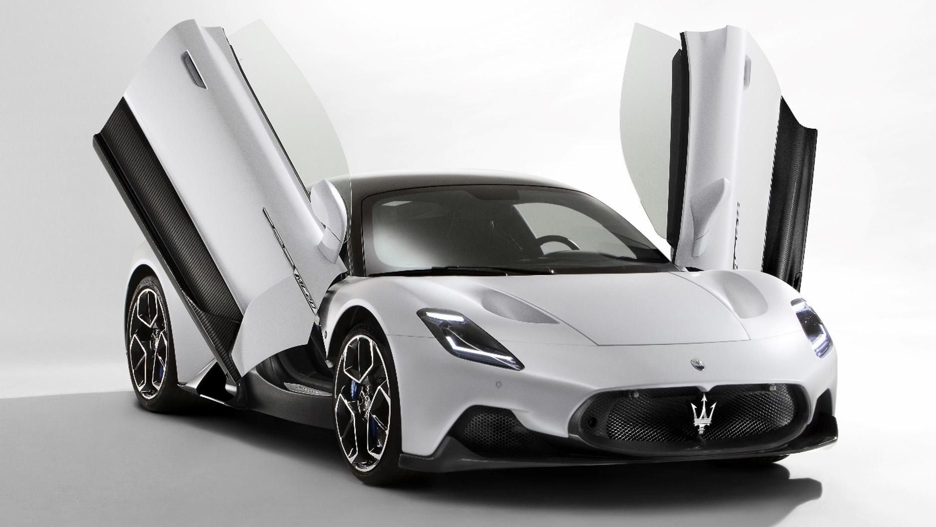 2.9 秒破百,Maserati 全新超跑 MC20 內外細節看這裡