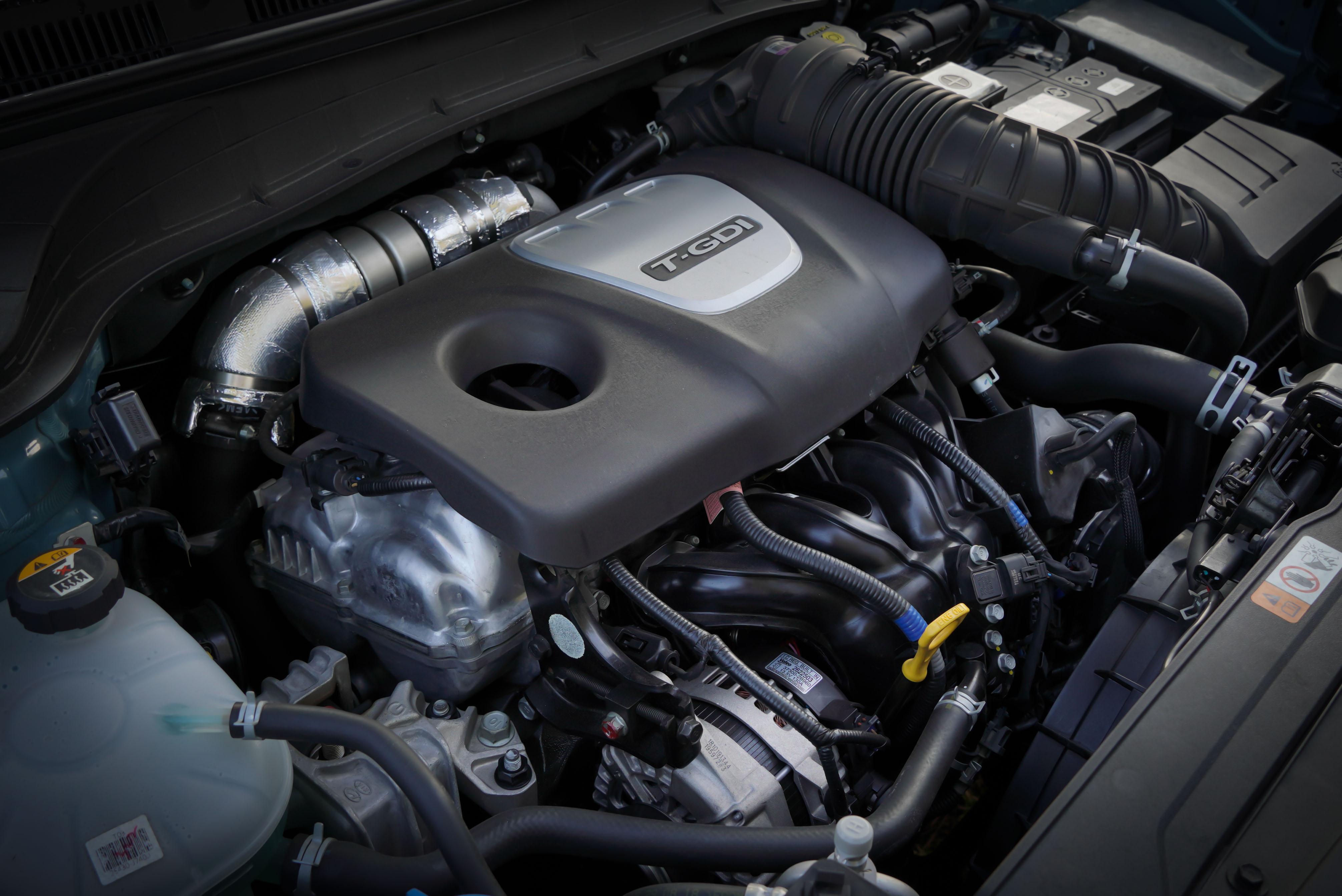 Kona 全車系 1.6 升直列四缸 GDi 缸內直噴渦輪增壓引擎,擁有 177 hp@5,500 rpm / 27.0 kgm@1,500~4,500 rpm 的出眾性能。