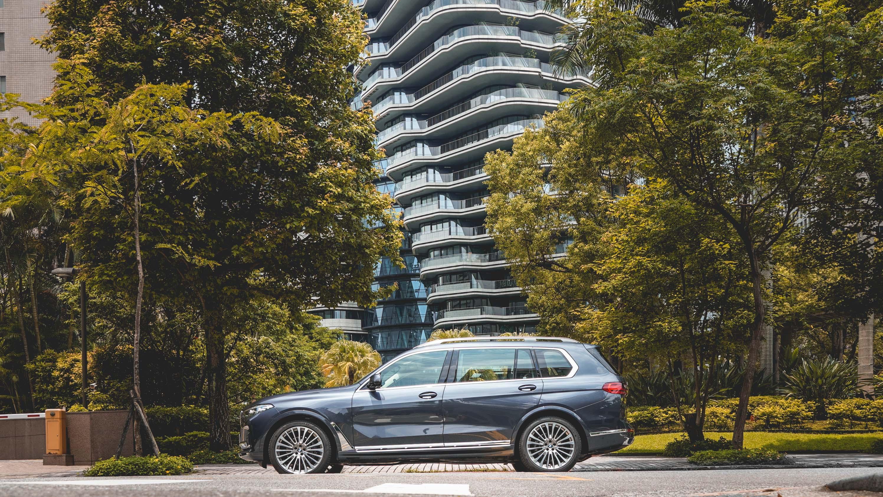 顧全大局,BMW X7 先插旗