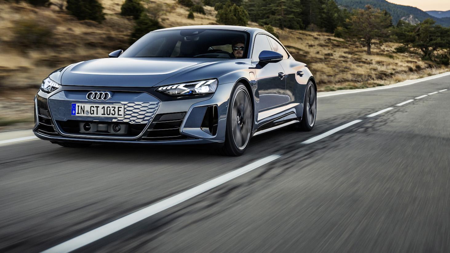 最美電動車是你?Audi e-tron GT 雙車型歐洲率先登場
