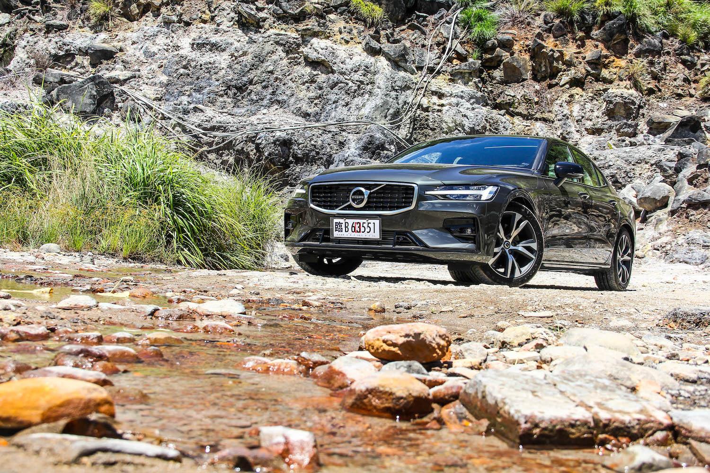 焦慮的解方?Volvo S60 T5 R-Design 的力與美,你看見了嗎?