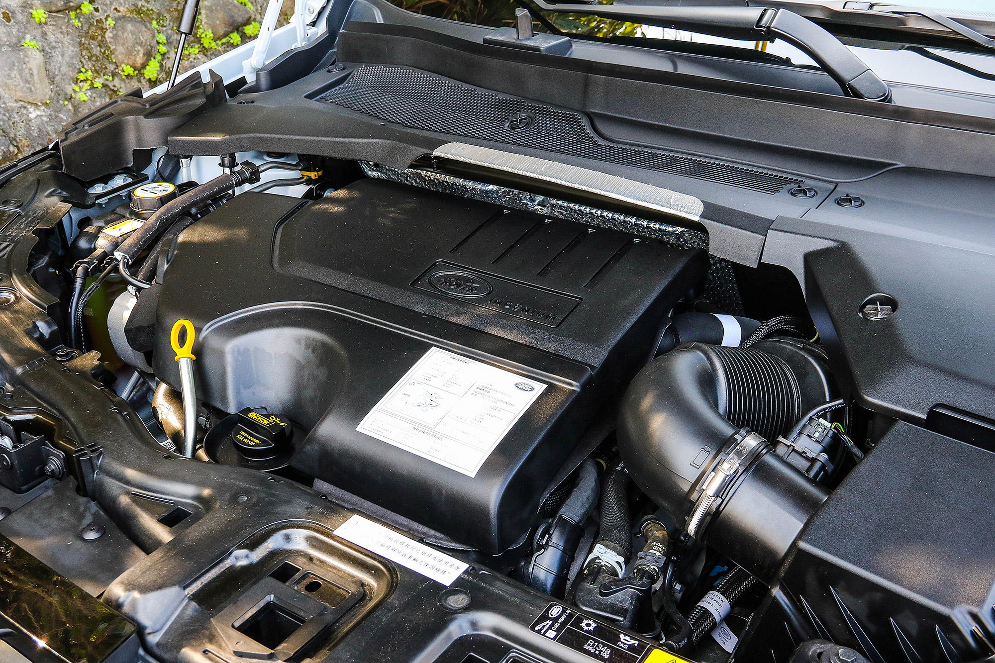 動力系統全數整合 48V Mild-Hybrid 輕度油電複合動力系統。