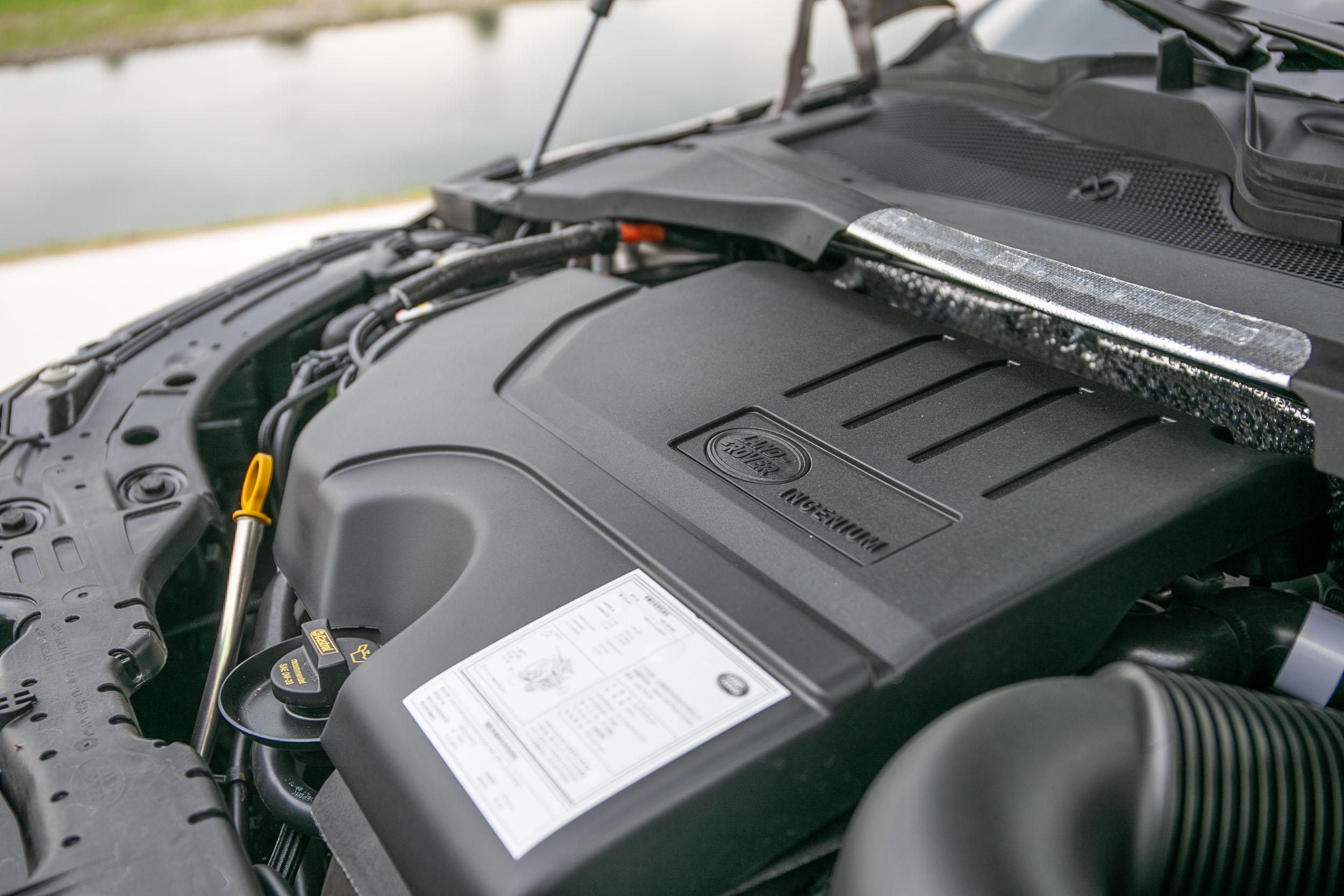 搭載Ingenium 2.0L的直列四缸渦輪增壓汽油引擎,最大馬力為 249ps/5500rpm,最大扭力為 365Nm/4500rpm。
