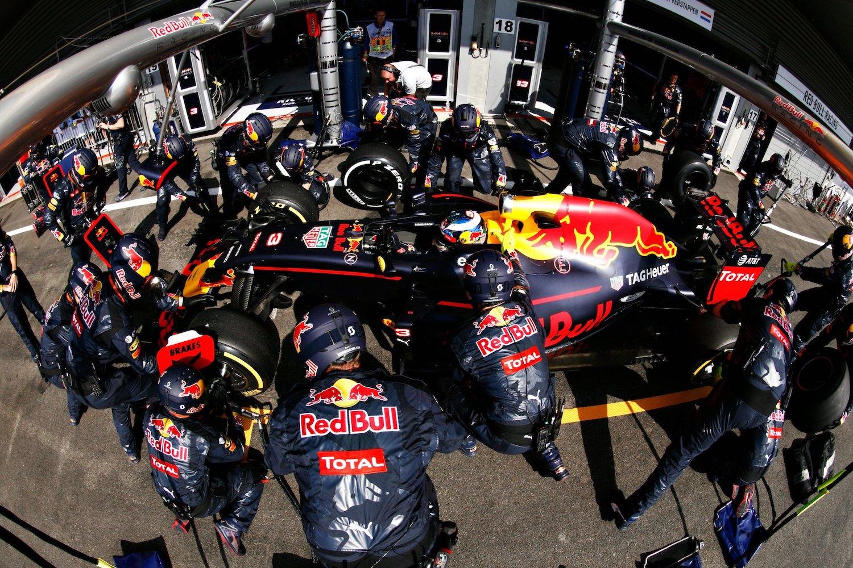 搶當 F1 維修人員,Red Bull Pit Stop Challenge 換胎挑戰月底開跑