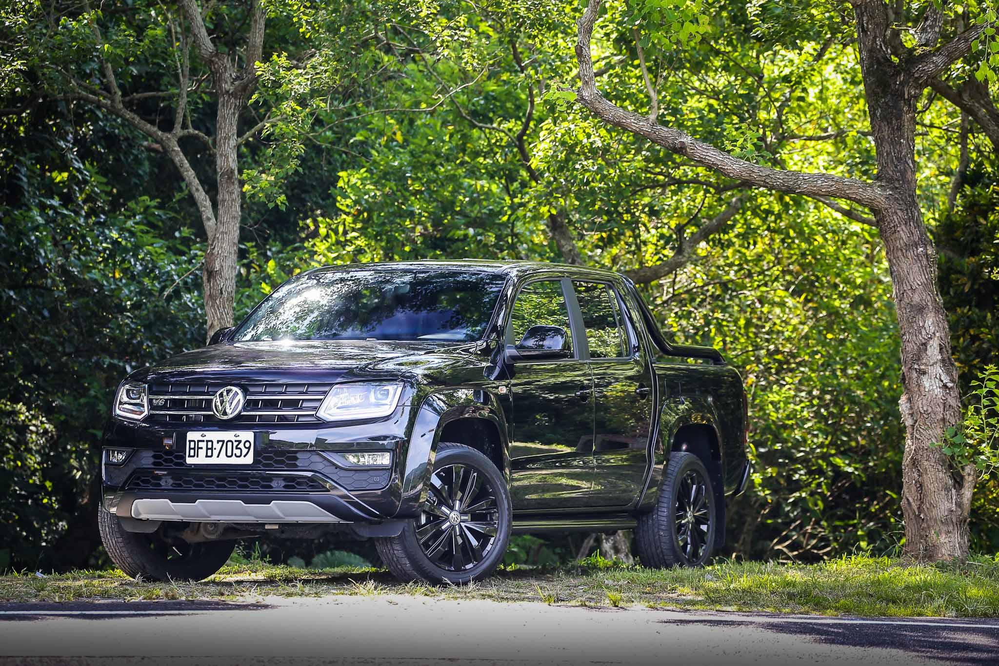 VWCV Amarok V6 Black Edition 售價新台幣 172.8 萬元,限量 30 輛。