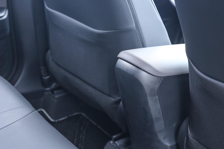 後座沒有出風口,也與市場上同級的 CUV 車型大抵相同。