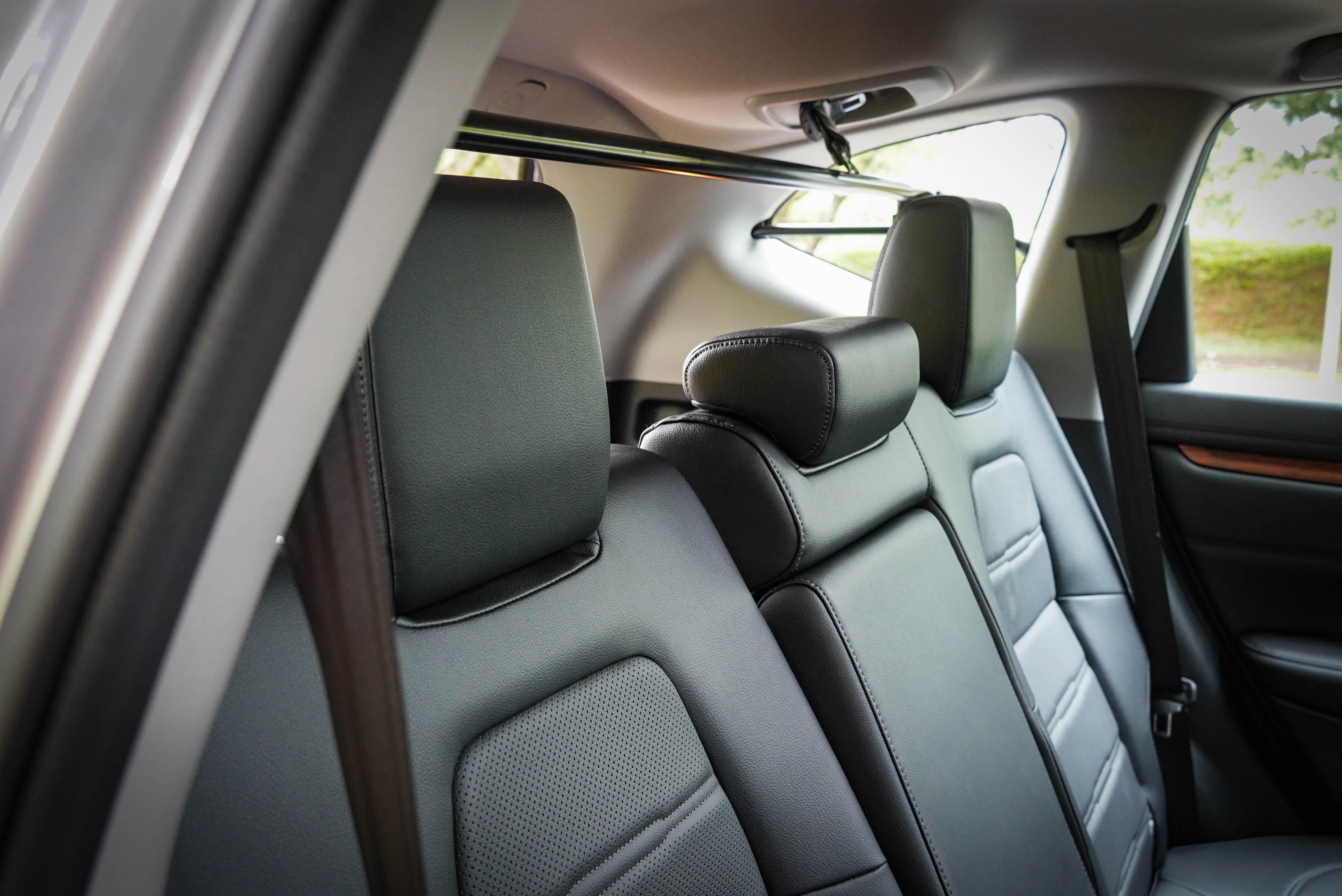 後座提供兩段椅背角度調整。