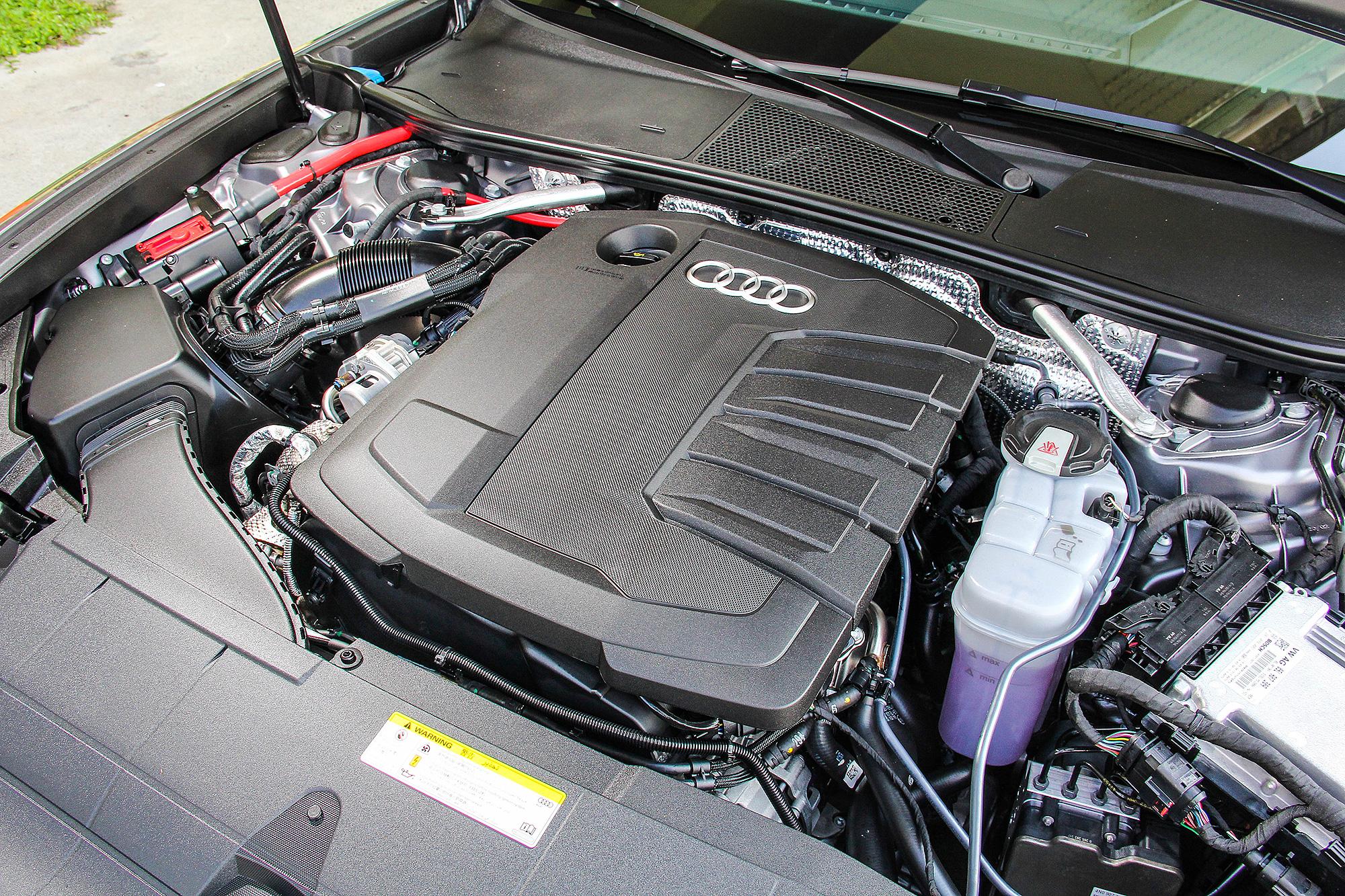 2.0 TDI 柴油引擎整合 12V Mild-Hybrid 微型油電複合動力系統,具有 204 匹馬力、 400Nm 扭力的最大輸出。
