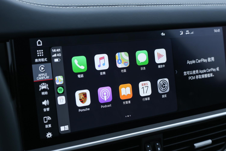 配備無線 Apple CarPlay 系統,使用上更為便利。