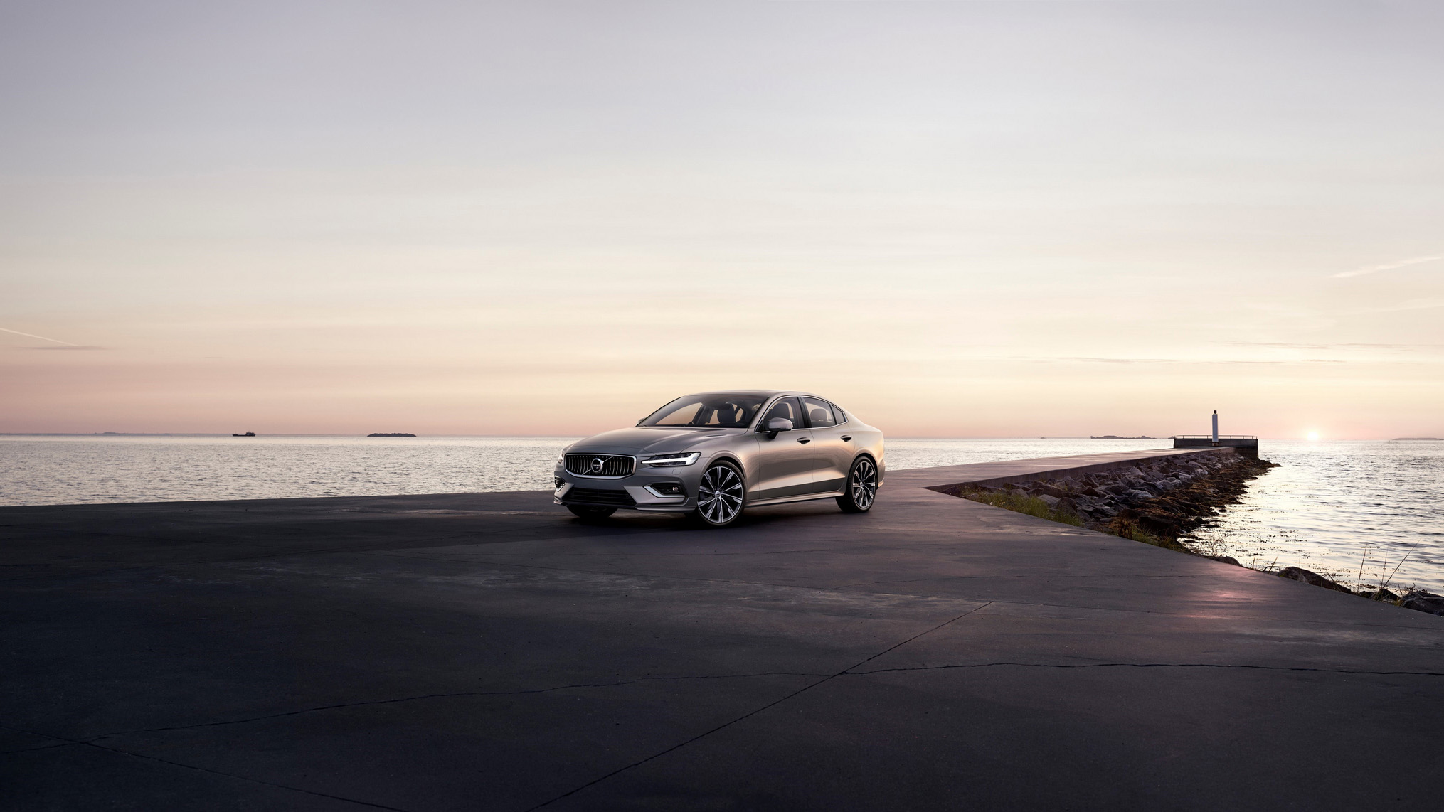 Volvo S60 T4 Momentum 現金價 159 萬開回家,60 家族 PHEV 車型月付 2 萬元起!