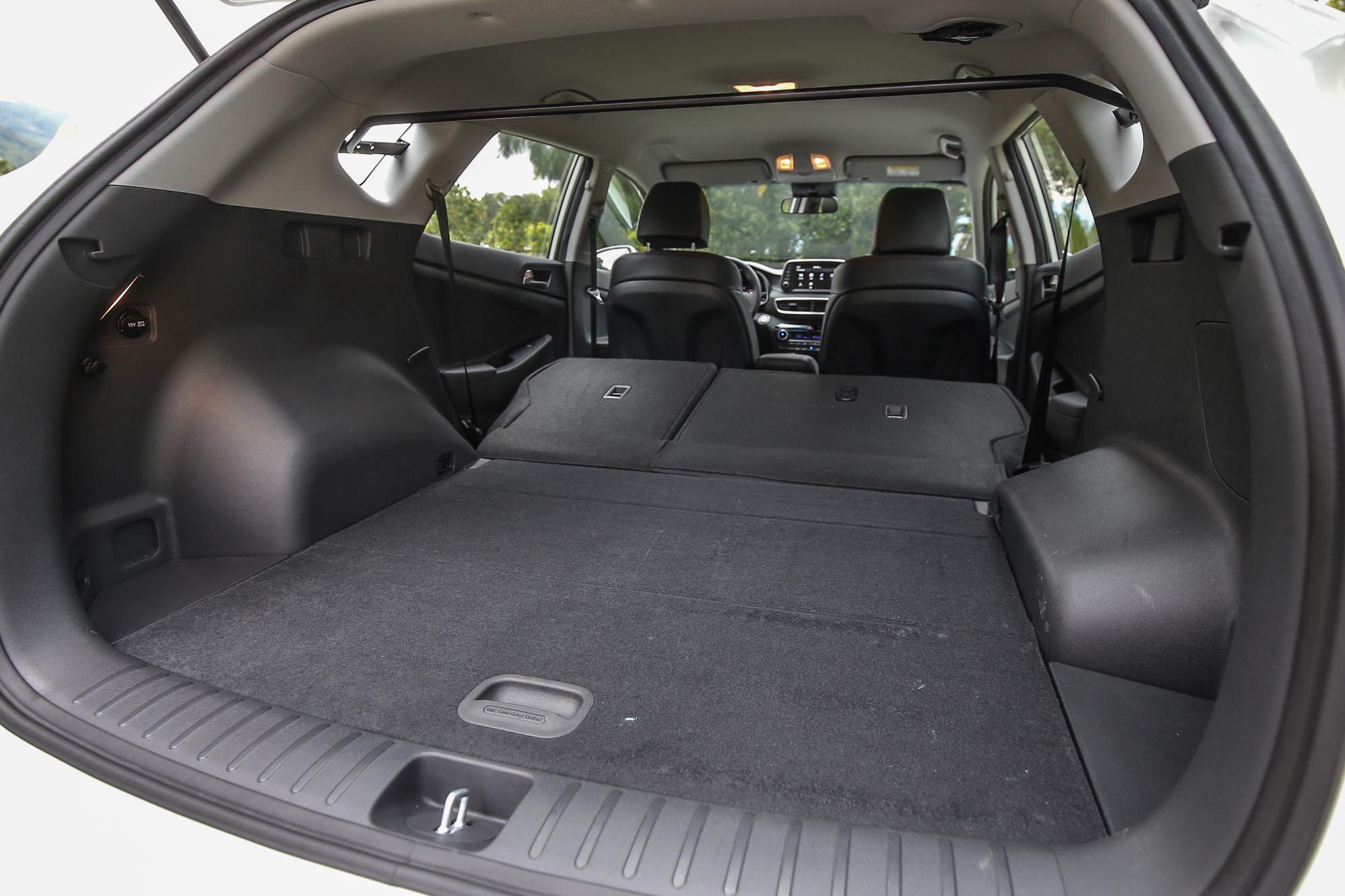 透過後座椅背的前傾打平,後廂容積可在 513 ~ 1503 公升間彈性調整。