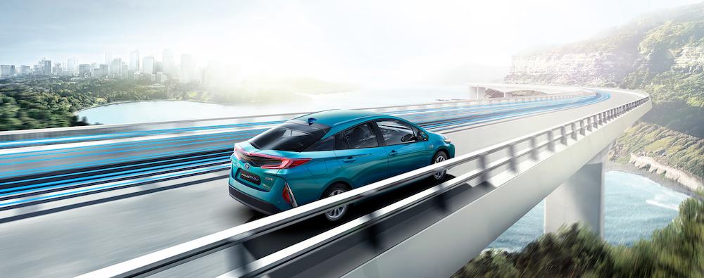 空間放大、保固延長,Toyota Prius PHV 降價改款上市
