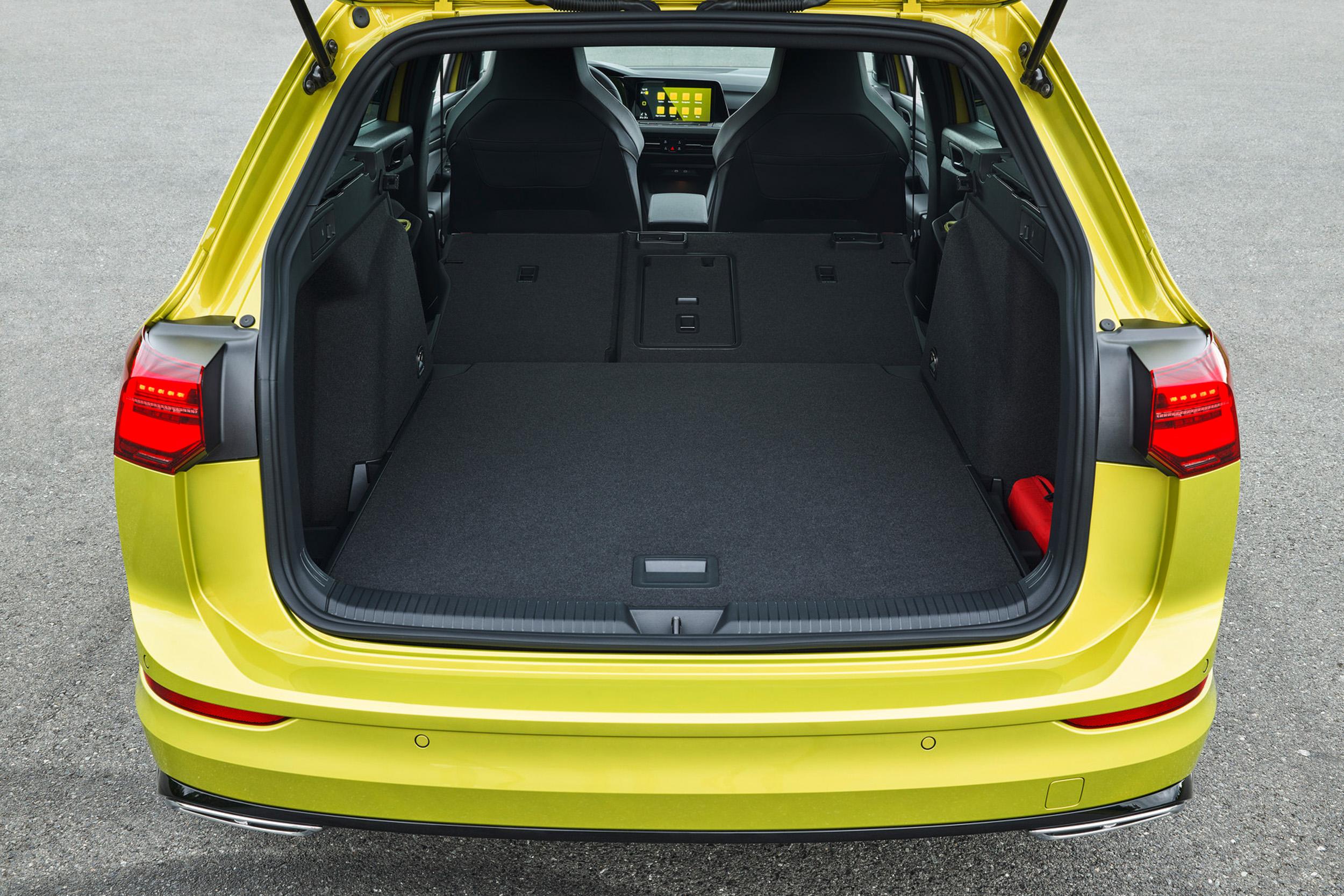 Golf 8 Variant標準乘坐狀態下行李廂容積增加至611公升,最大可達1,642公升。