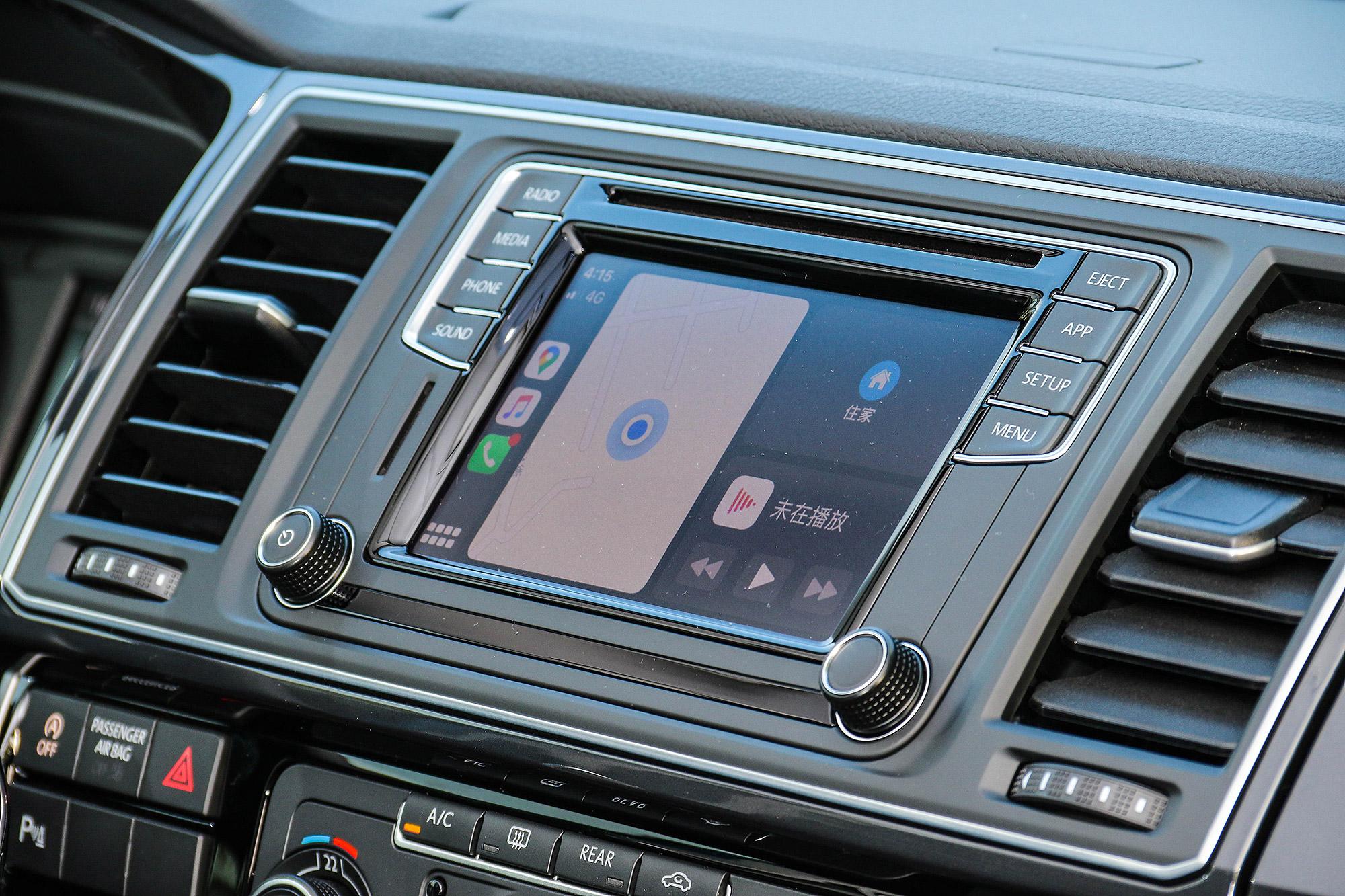 標配支援 Apple CarPlay 與 Android Auto 的 App-Conncet 套件。