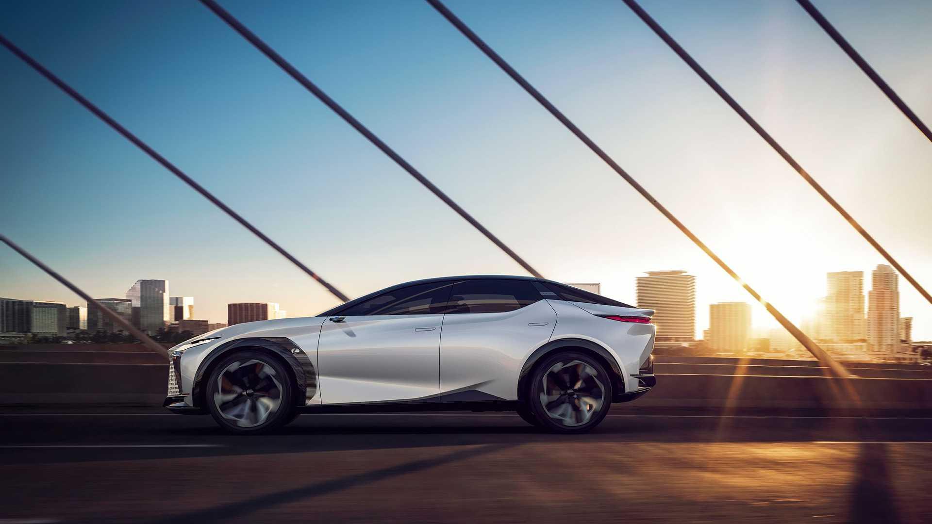 LF-Z 也預告了未來 Lexus 的設計走向。