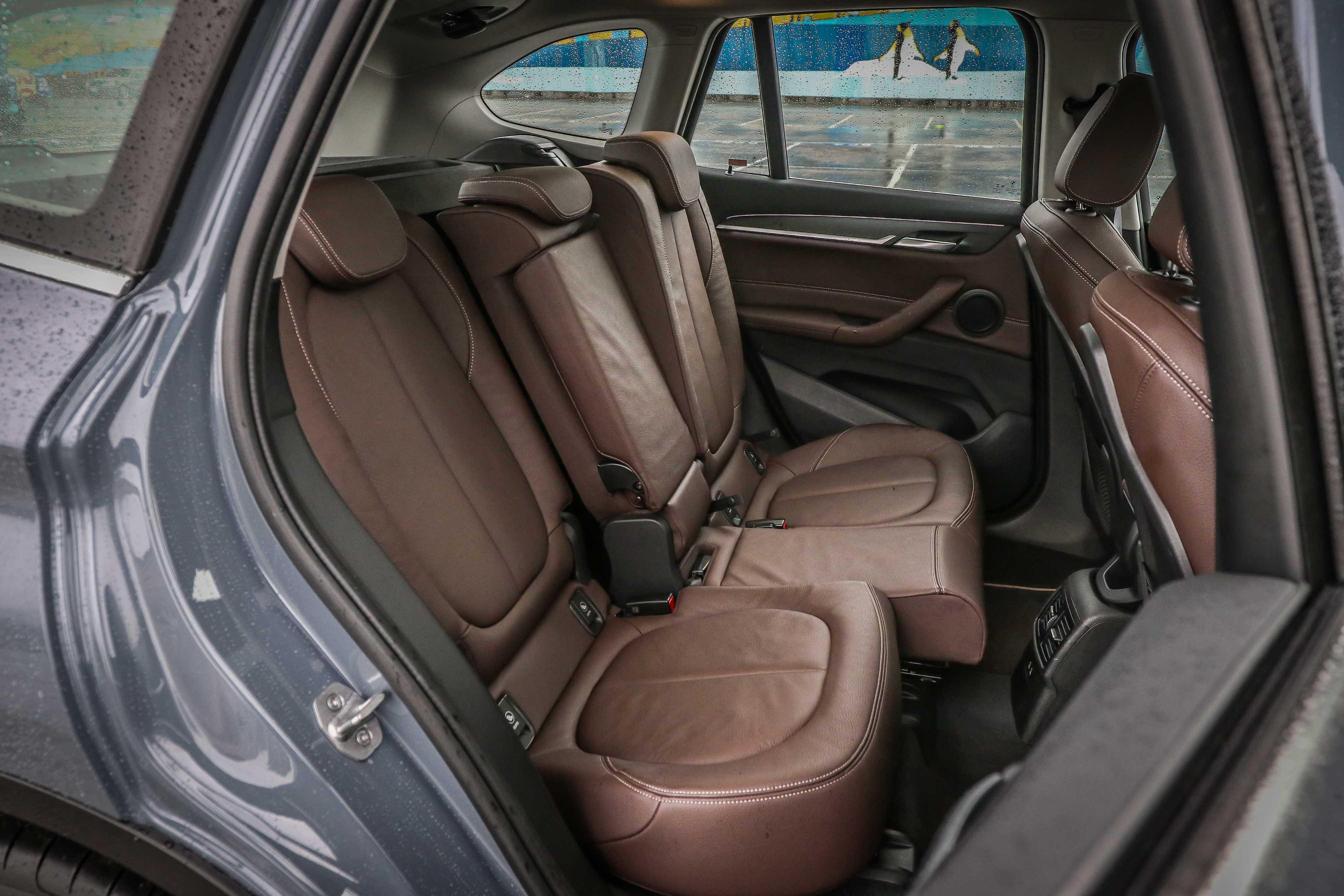 後排座椅提供 6/4 前後滑移功能,椅背角度也可調整。
